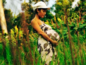 Hawaii Maternity Portrait