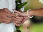Royal Kona Wedding, Giving Rings