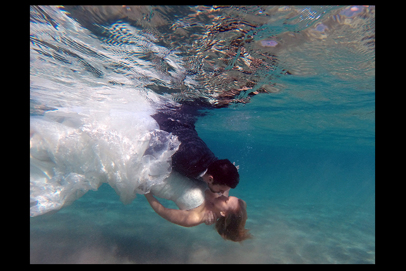 Kona Underwater Photography-Trash the Dress